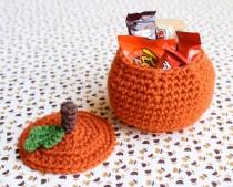 one-sheepish-girl-crochet-pumpkin-bowl-1
