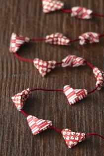 origami-heart-garland-from-www.alyssaandcarla.com_