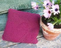 Moederdag-knutselen-kussen-met-hartjes-breien-valentijn-cadeau-maken-naaien
