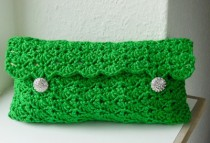 crochet-clutch-closed