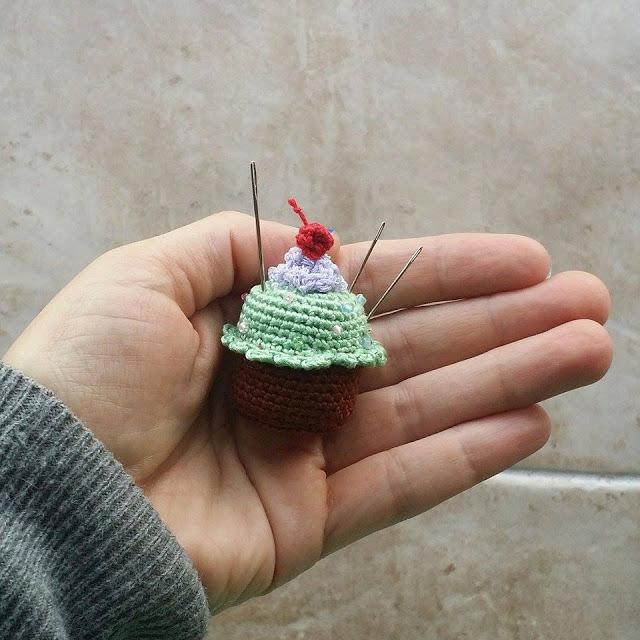 Gratis Haakpatroon Cupcake Speldenkussen Freubelweb