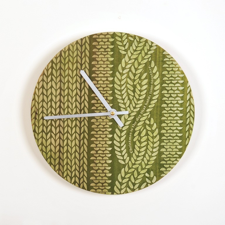 1412718237_knitted_wooden_clock
