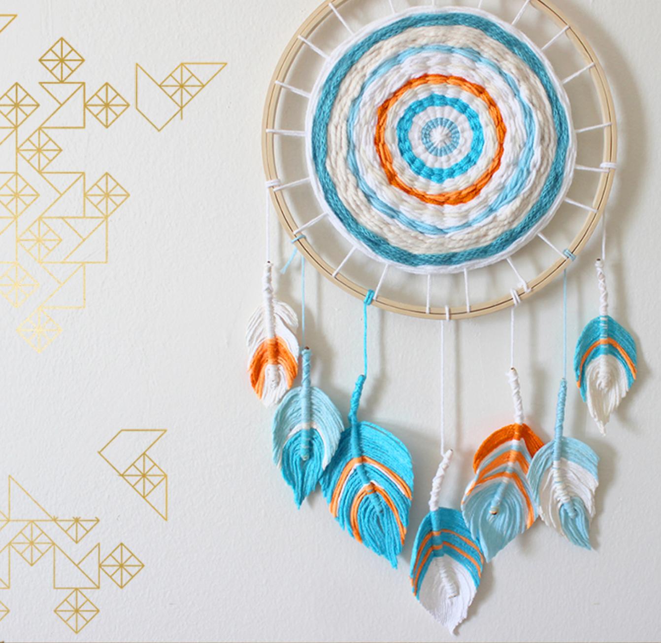 Zelf maken met garen dromenvanger freubelweb freubelweb for Bruiloft decoratie zelf maken