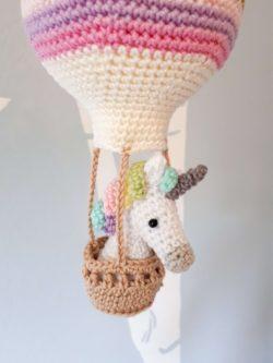 eenhoorn in luchtballon
