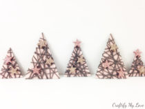 kerstboom van karton en garen